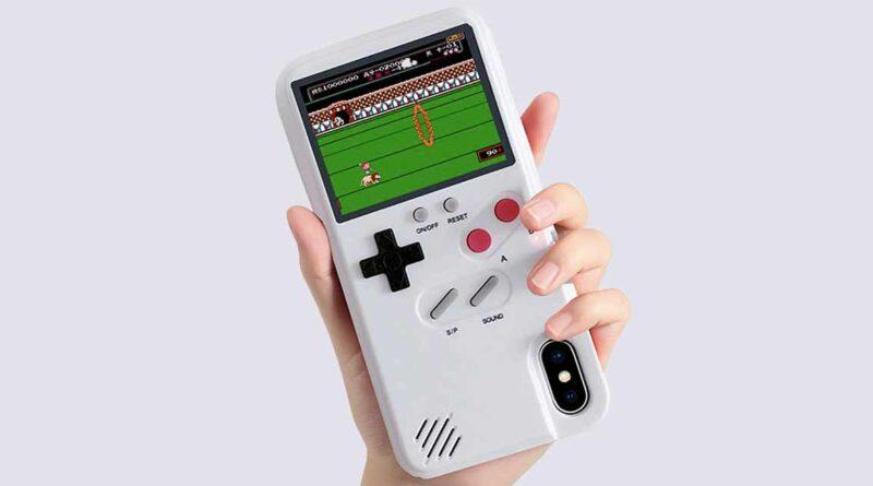 Coque iPhone Game Boy Color avec 36 jeux classiques intégrés