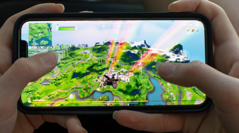 Le hack Genius Fortnite vous permettra de jouer à nouveau au jeu sur iPhone malgré l'interdiction mondiale
