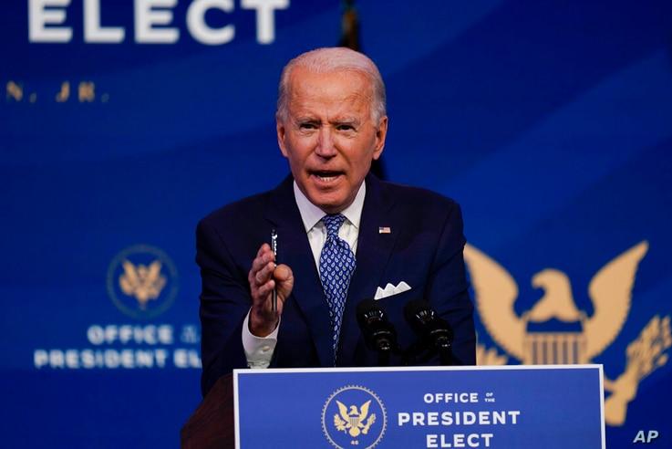 Le président élu Joe Biden prend la parole au Queen Theatre de Wilmington, dans le Delaware, le mardi 22 décembre 2020 (AP Photo / Carolyn Kaster)