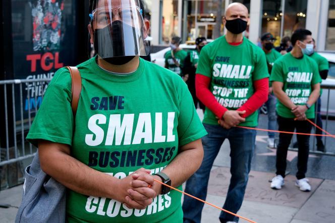 Manifestation en faveur des aides aux petits commerces, le 12 décembre 2020, à Los Angeles.