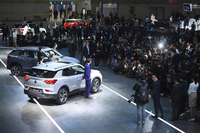 Présentation de modèles de la marque Ssangyong au Seoul Motor Show, à Goyang, le 29 mars 2019.