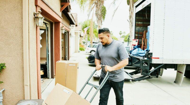 La grande migration de 2020: les gens de New York et de Californie ont déménagé en masse cette année