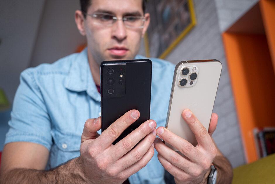 Samsung Galaxy S21 Ultra contre iPhone 12 Pro Max