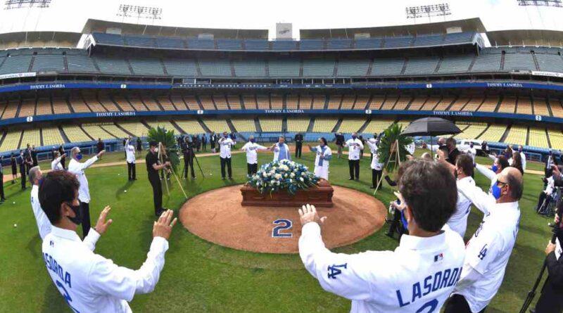 Tommy Lasorda commémoré au service du Dodger Stadium - Orange County Register