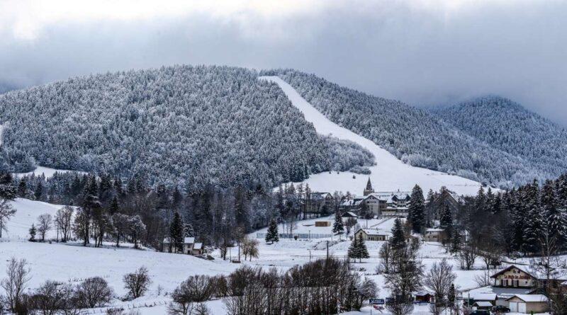 L'annonce d'une réouverture des remontées mécanique repoussée, les stations de ski craignent de voir leur saison compromise