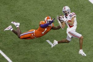 L'État de l'Ohio jouera en Alabama pour le championnat de football universitaire après avoir renversé Clemson 49-28