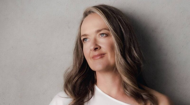 Shortland Street Tell-All: Elisabeth Easther explique comment la méchante infirmière Carla a gouverné sa vie