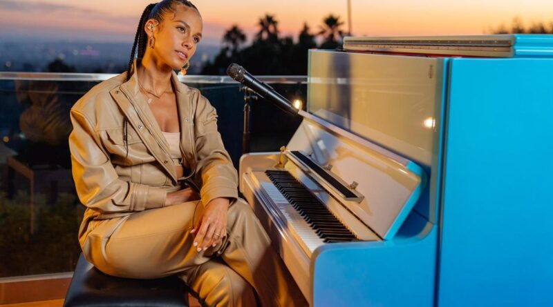Girl on fire: Alicia Keys surprend des écolières en Arabie saoudite