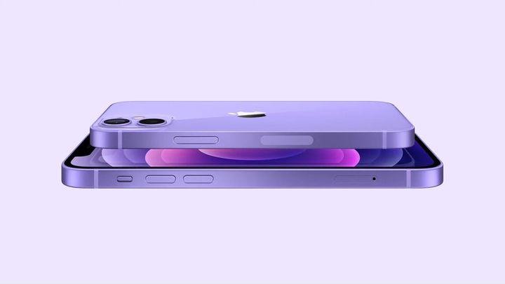 L'iPhone 12, gros succès qui a permis à Apple de reprendre la tête des ventes de smartphones début 2021, est désormais proposé en mauve. (APPLE)