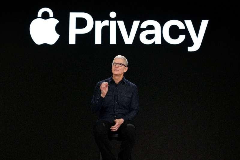 Le PDG d'Apple, Tim Cook, affirme que les restrictions imposées au téléchargement d'applications visent essentiellement à protéger les consommateurs contre les logiciels dangereux.  prévisualisation de la puissance
