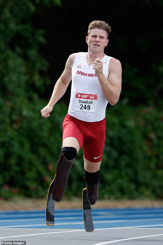 Incroyable: Hunter – qui est né avec une hémimélie fibulaire et a été amputé des deux jambes à l'âge de 11 ans – a été le premier double amputé à obtenir une bourse d'athlétisme de Division I
