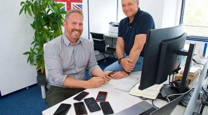 Swycha, which sell refurbished smart phones. L>R Jean-Paul Bouic and Aaron Chatterley                                                             Picture: ROB CURRIE. (31261110)