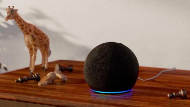L'enceinte intelligente Amazon Echo Dot de 4e génération.