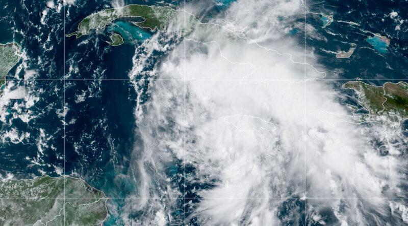 La tempête tropicale Ida traverse les îles Caïmans
