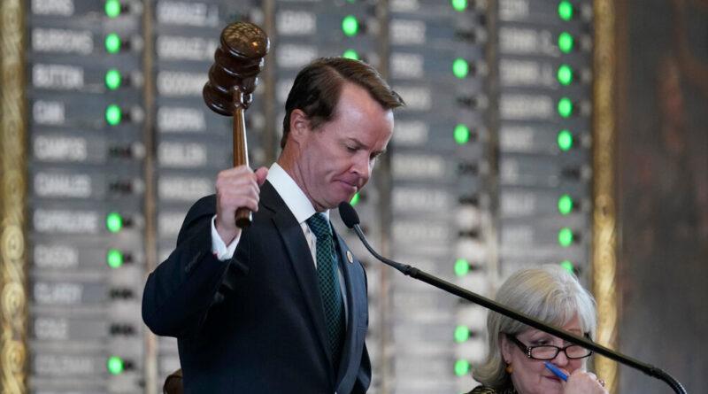 Texas House adopte le projet de loi de vote alors que le GOP s'approche d'une victoire acharnée