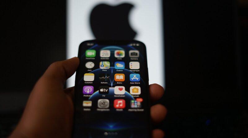 Que vont changer les fonctionnalités satellitaires présentes sur le futur iPhone?